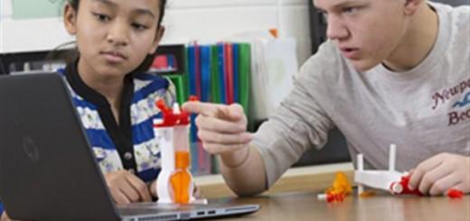 dremel-dreams-program-integrates-3dprinting-stem-education-classroom-1